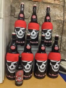 Désormais, il y a les petites bouteilles de 0,75 L et les grandes de 3 L, c'est-à-dire de Jéroboam!
